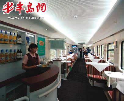 青岛造列车成功驶抵格尔木