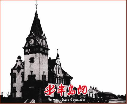 青岛火车站钟楼见证百年沧桑