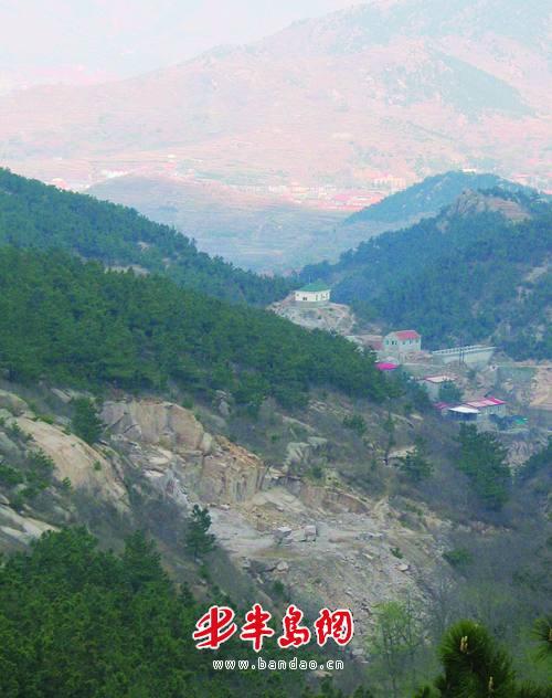 石门山风景区和百果山景区每年都吸引几万名游客进山游玩,而这些